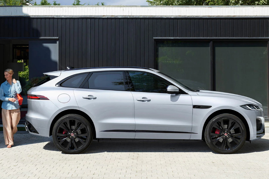 jaguar f-pace in white