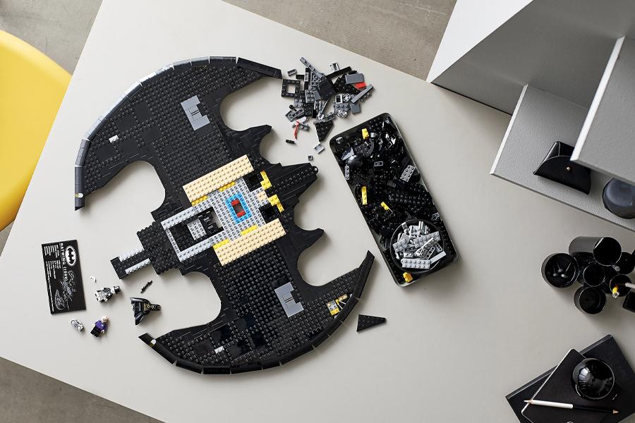 LEGO 1989 Batwing 1