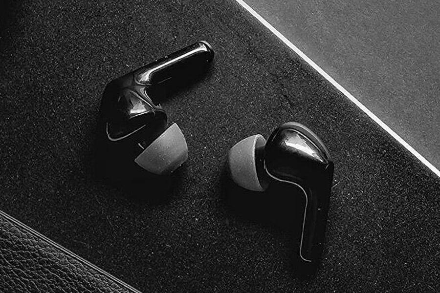 LG TONE Free wireless earbuds