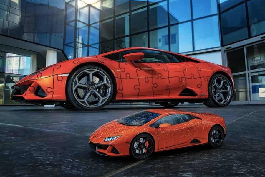Lamborghini Huracan EVO Puzzle side from a low angle