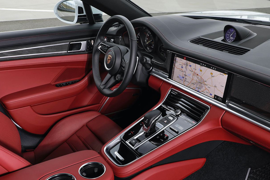 Porshce Panamera dashboard and steering wheel