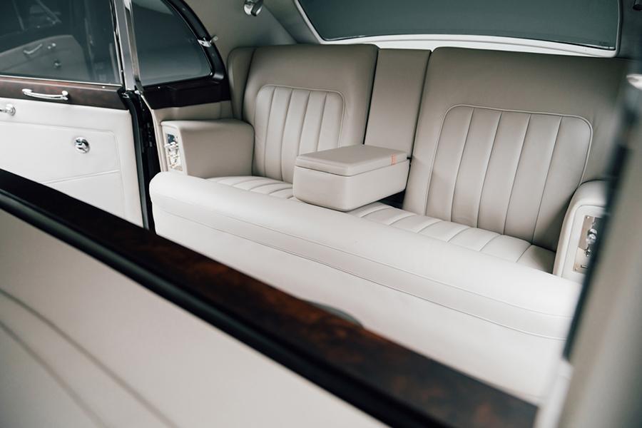 Rolls Royce Phantom V Concept back car seat