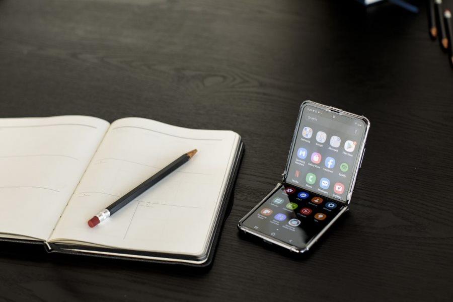 Samsung Galaxy Z Flip 5G Smartphone 8