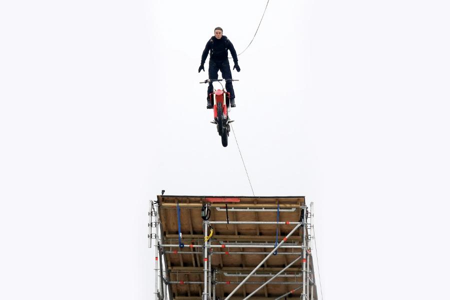 Tom Cruise Stunt