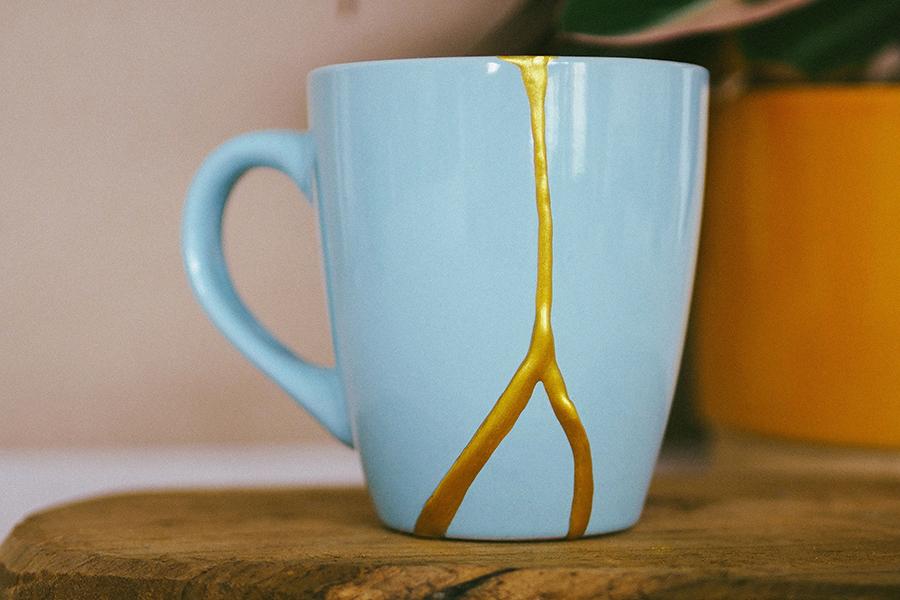 DIY Kintsugi Kit on mug