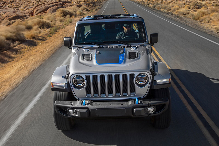 Jeep Wrangler 4xe front