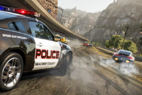 A police car following a racing car in NFS Hot Pursuit