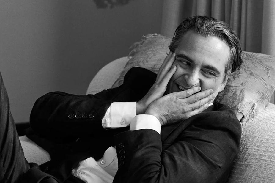 Joaquin Phoenix monochrome