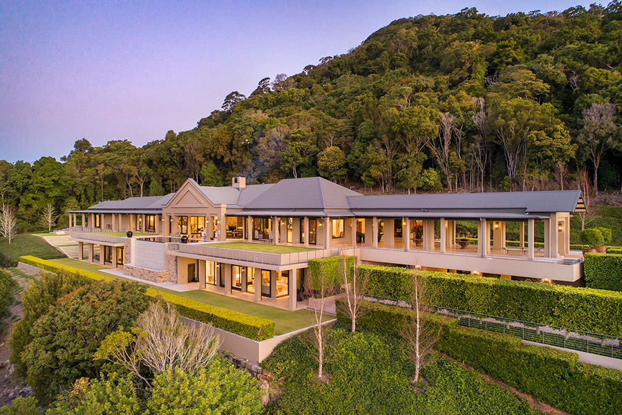 $15 Million Noosa Mansion 'No One Knows About' Goes Up For Sale | Man of Many