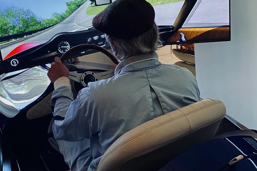 TCCT EClassic Racing Simulator driving