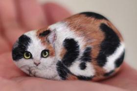 Japanese Artist Turns Stones Into Tiny Animals cat