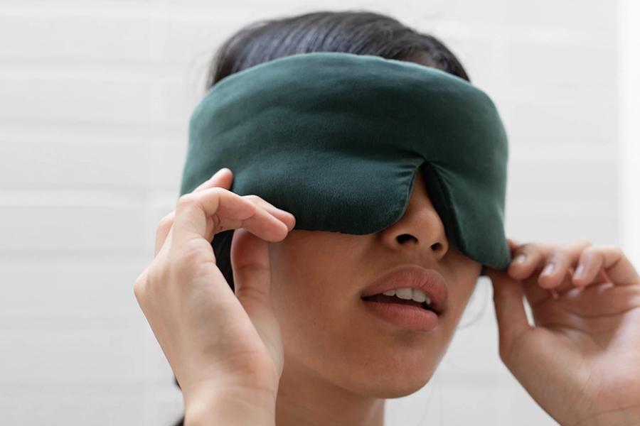 Lunya Washable Silk Sleep Mask Christmas Gift Guide For Her