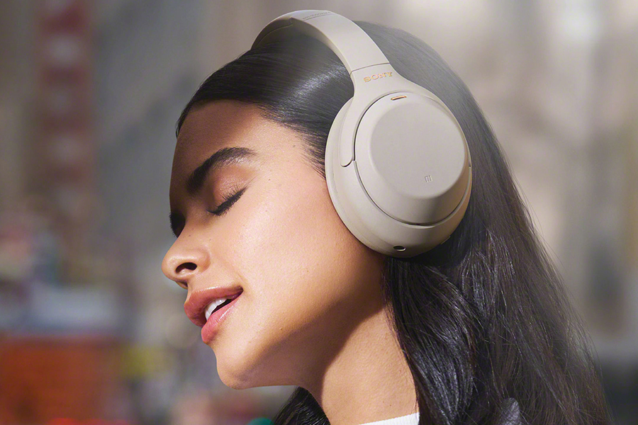 Sony WH-1000XM4 Christmas Gift Guide Music Lover