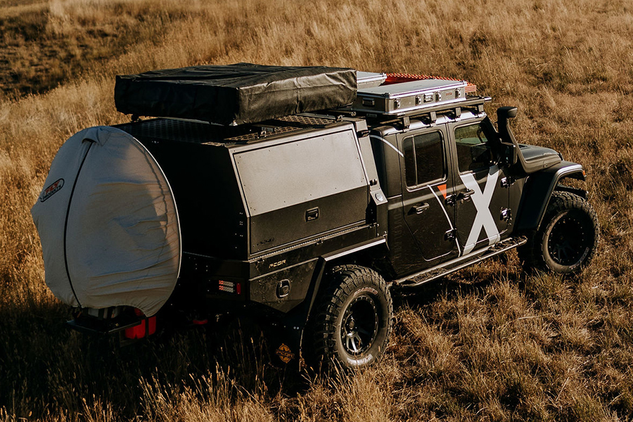 Jeep Gladiator Overland aerial view