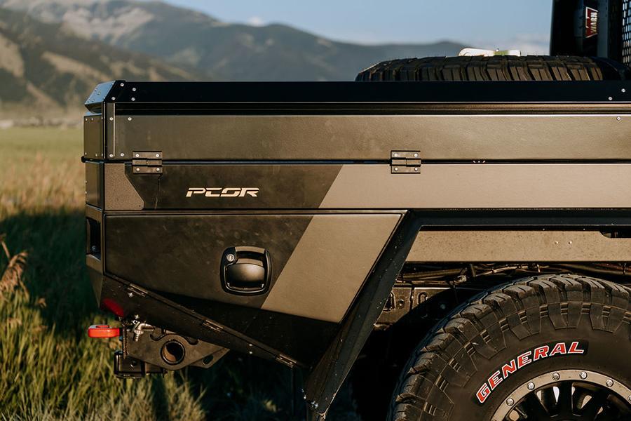 Jeep Gladiator Overland back