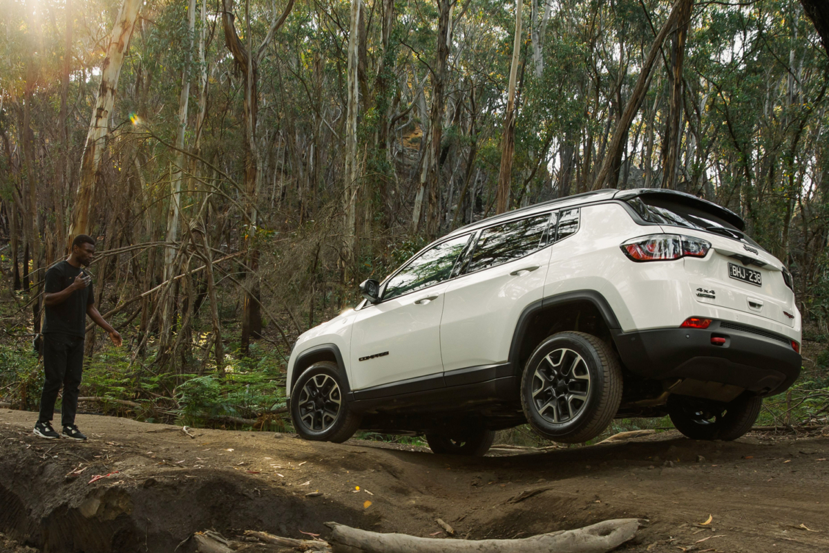 Jeep Compass Trailhawk's 4×4 Selec-Terrain Traction Management System keeping the car stable on uneven ground