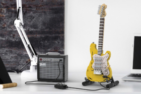 Lego Stratocaster front