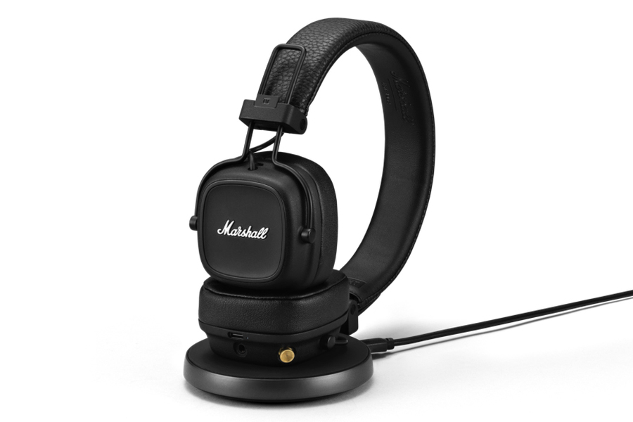 Marshall IV Wireless Headphones in stand