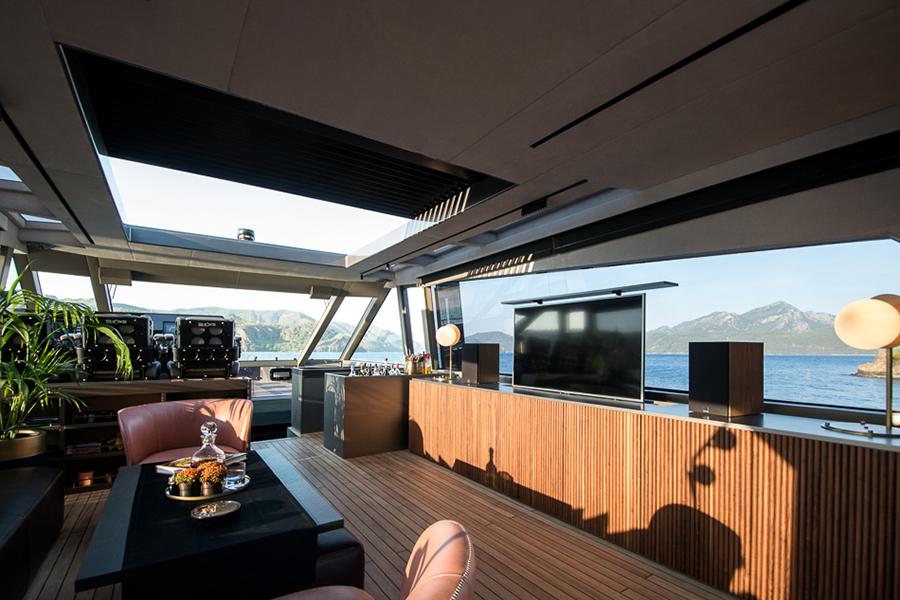 Mazu 82 yacht interior