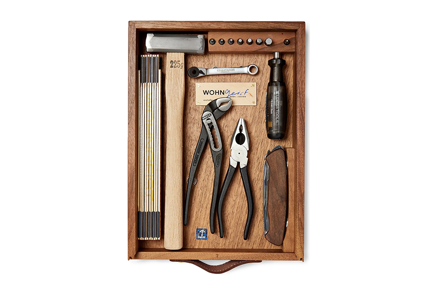 WohnGeist 7-Piece Tool Kit In Wood Case Christmas Gift Guide Handyman