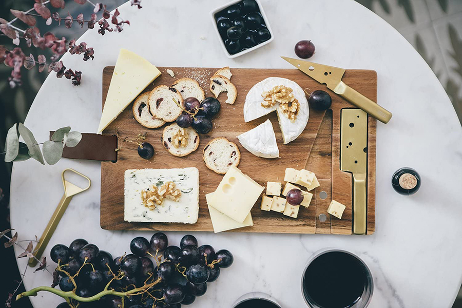 DOIY Cheeseporn Cheeseboard Christmas Gift Guide Wine Lover