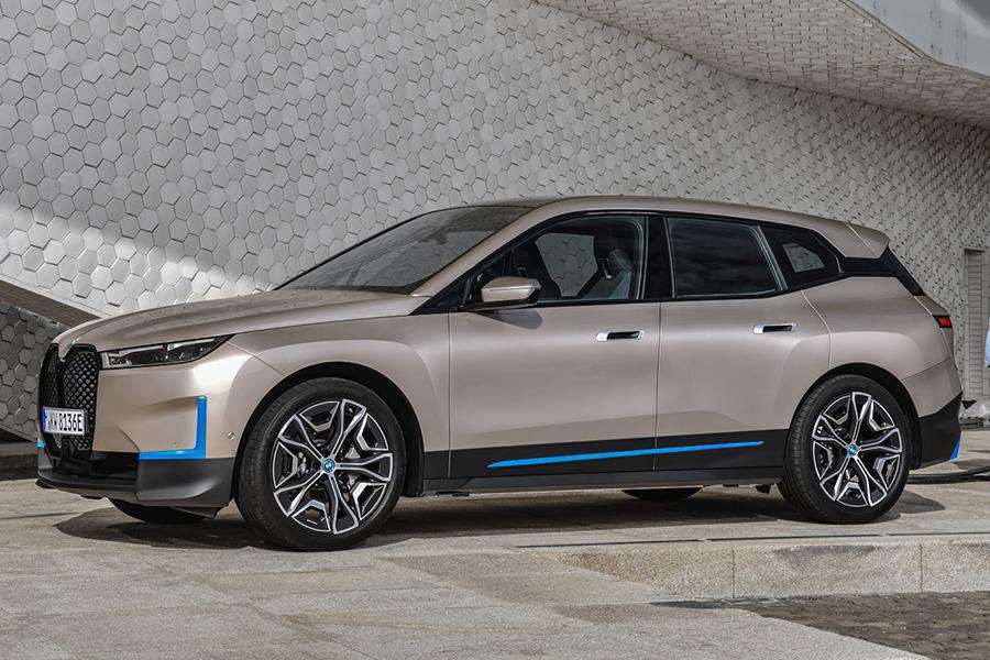 BMW 2022 ix side