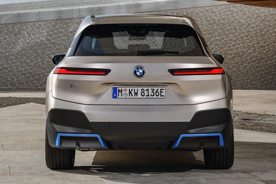 BMW 2022 ix back