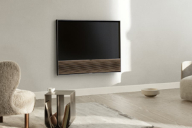 Beovision Contour on wall