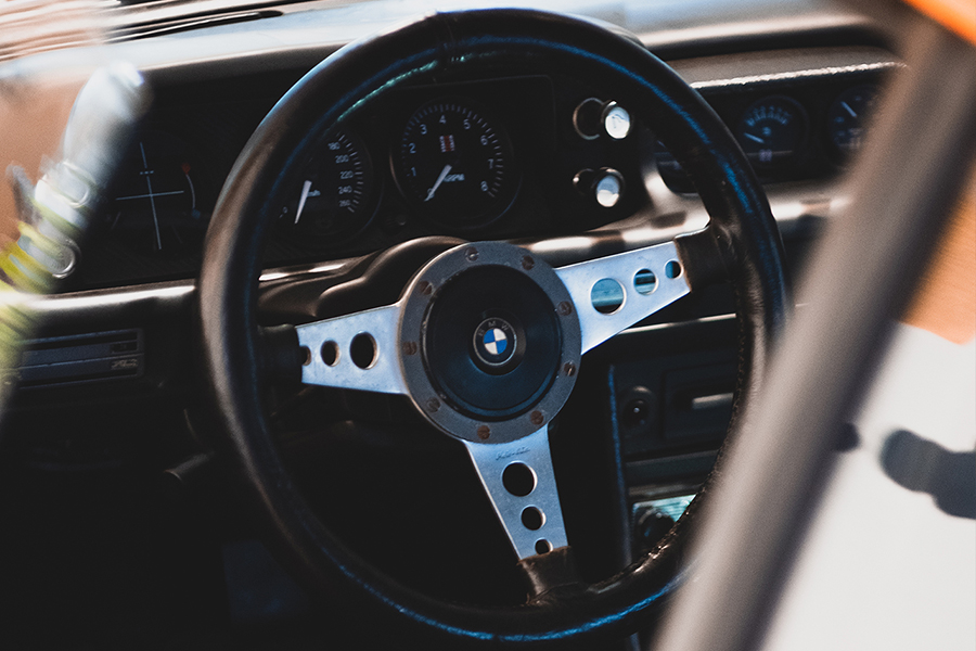 Deus Customs France BMW 2002 steering wheel