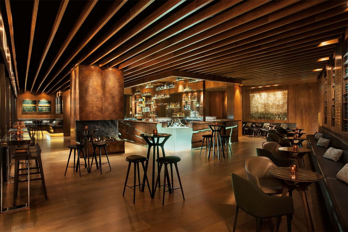Grain whiskey bar