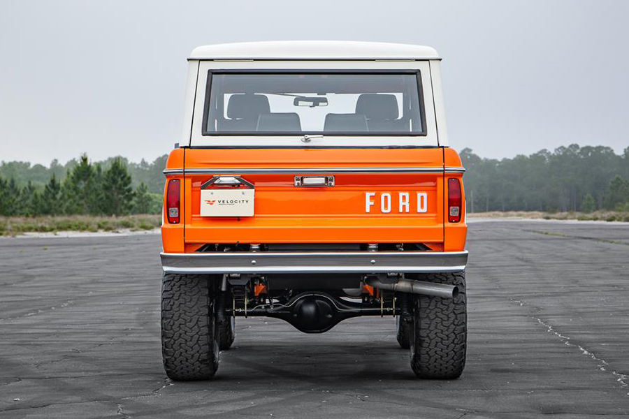 Pristine 1974 Ford Bronco up for Auction in Florida back