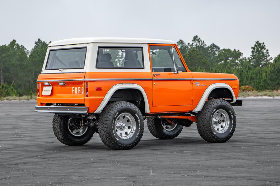 Pristine 1974 Ford Bronco up for Auction in Florida back side