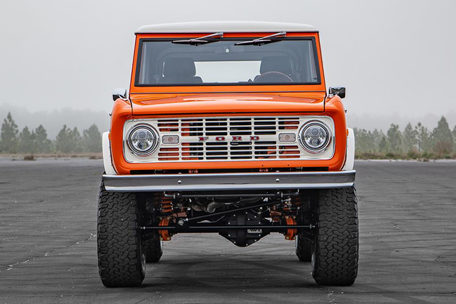 Pristine 1974 Ford Bronco up for Auction in Florida front
