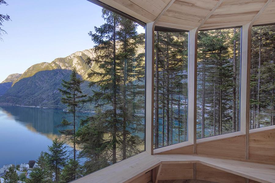 Woodnest Cabin window view