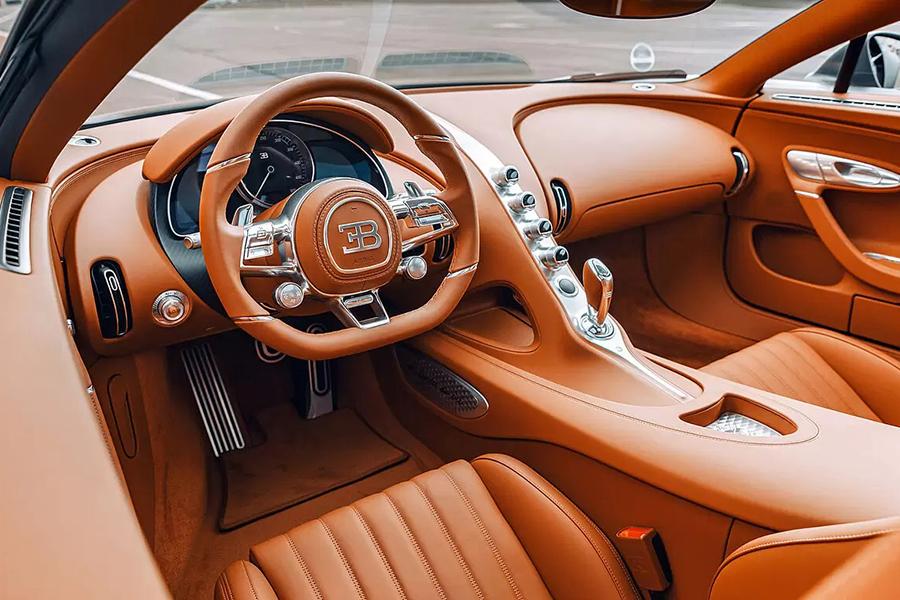 bugatti Chiron les legendes du ciel steering wheel