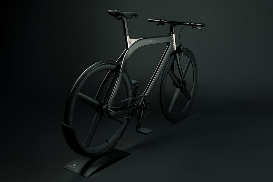 Akhal Shadow Bike rear