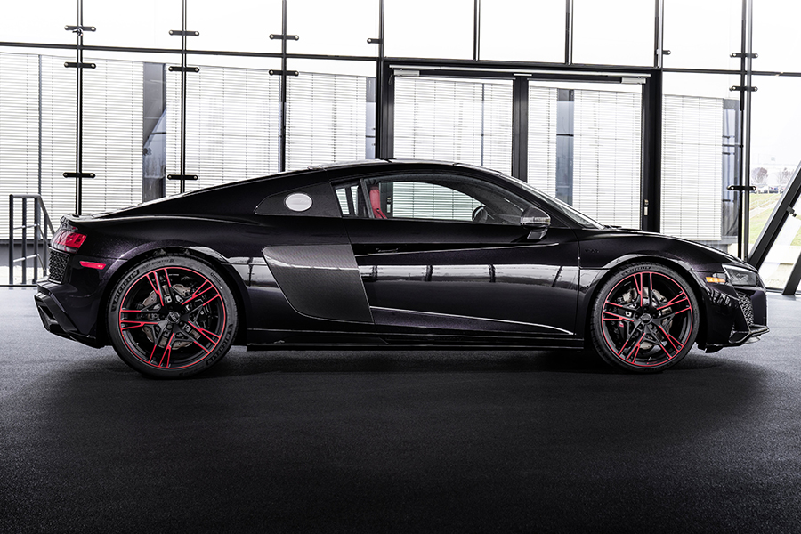 Audi R8 Panther side