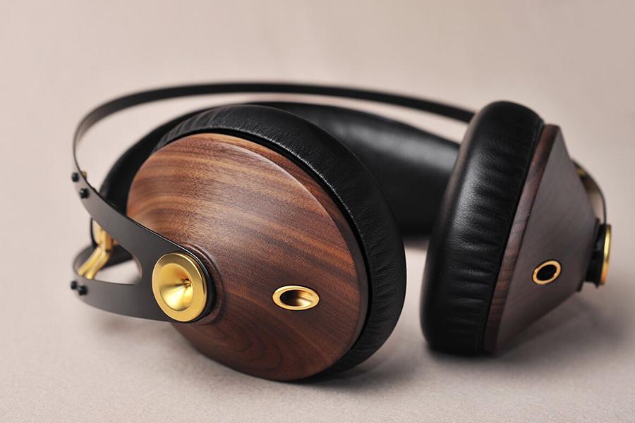 Meze audio Brand ear cups