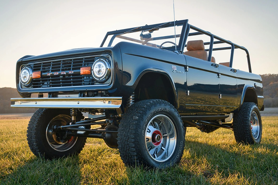 Win a Custom Gateway Ford Bronco 4-Door and $20,000!
