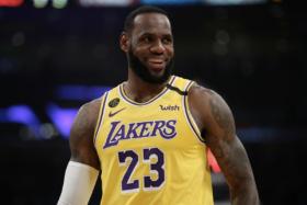 1 Highest Paid NBA Players 2021 - LeBron James 1