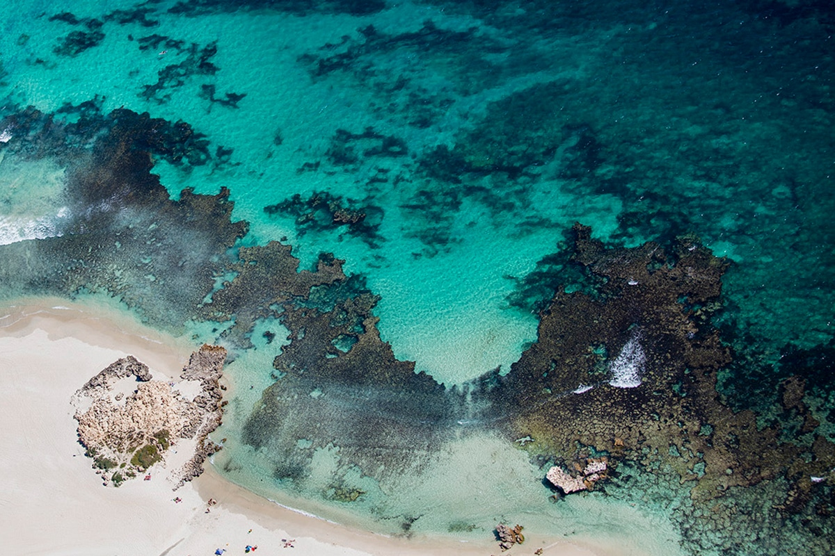 Лучшие пляжи Перта для посещения этим летом Бейли-Бич