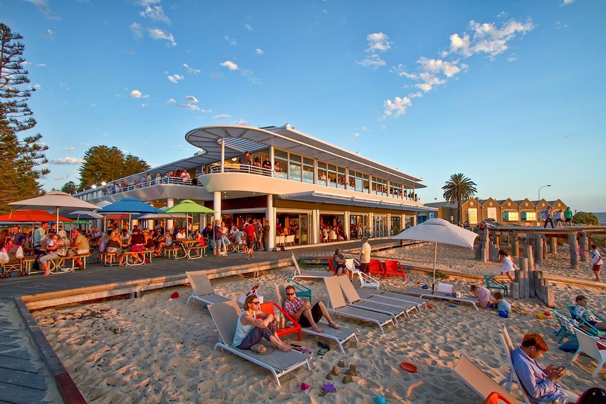 Лучшие пляжи Перта для посещения этим летом Bathers Beach