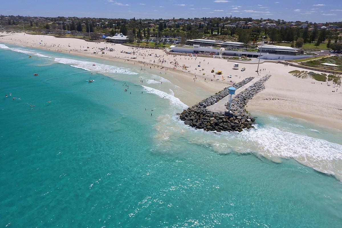 Лучшие пляжи Перта для посещения на этом летнем городском пляже