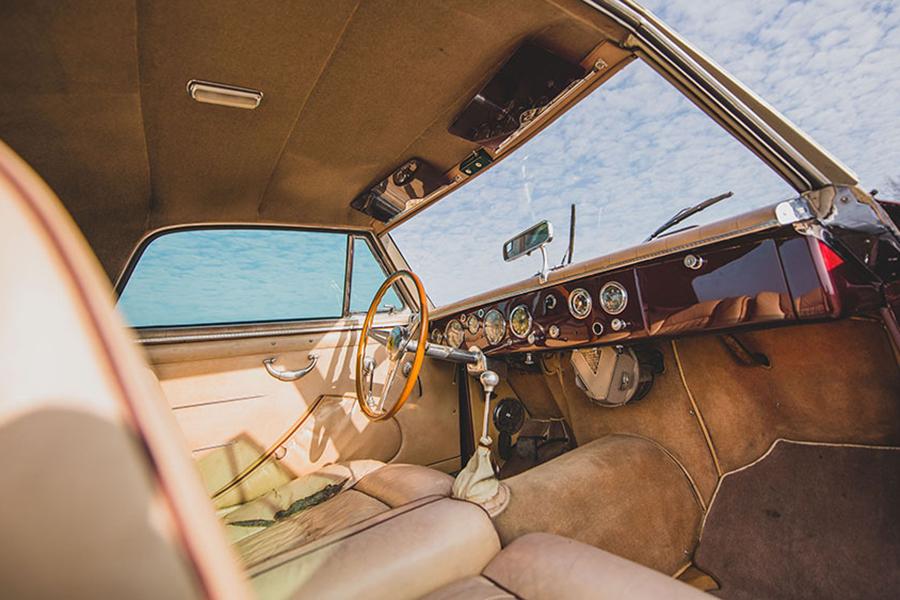 1954 Ferrari 375 America Coupe dashboard dan roda kemudi