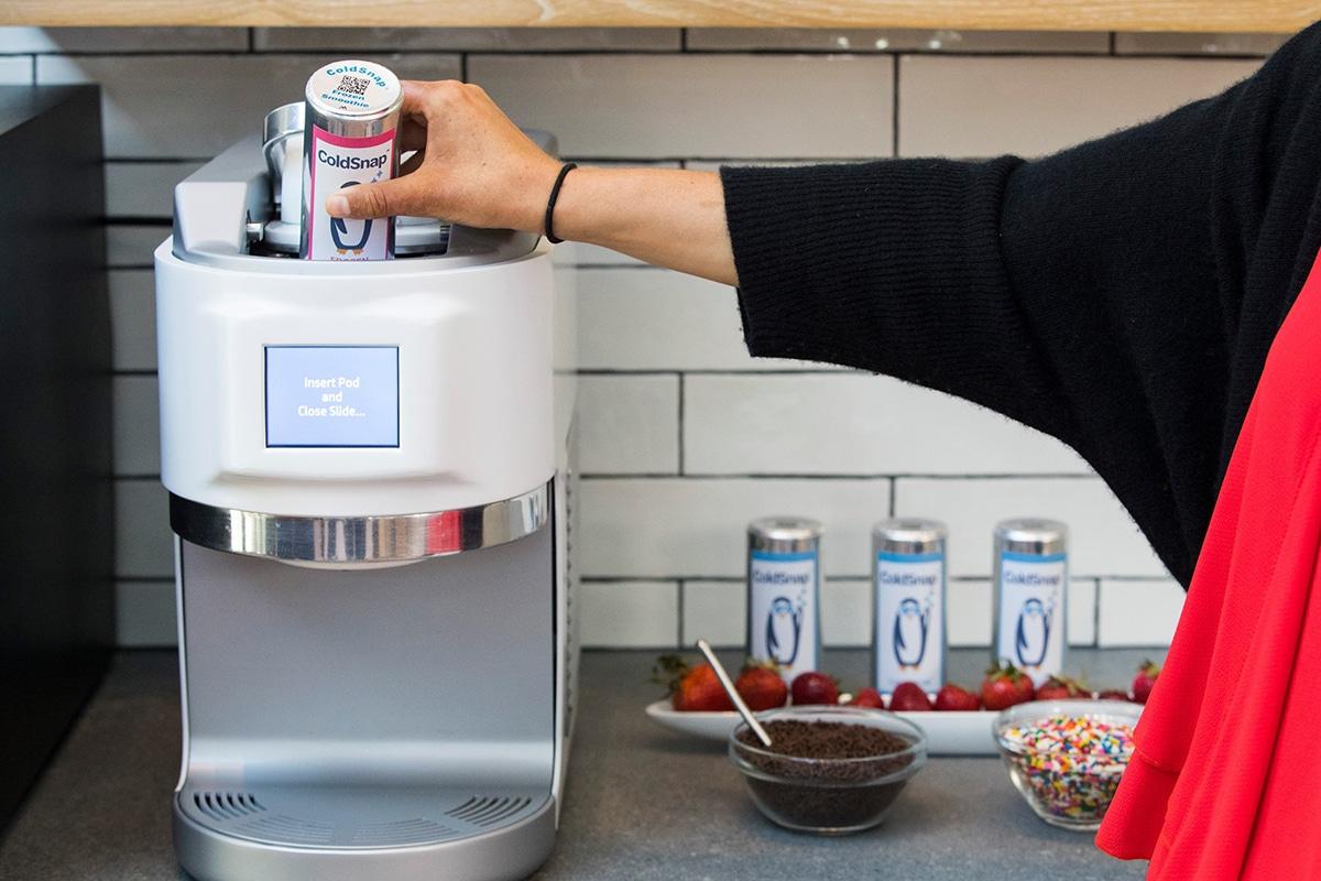 Демо-версия устройства для приготовления мороженого ColdSnap Soft-Serve