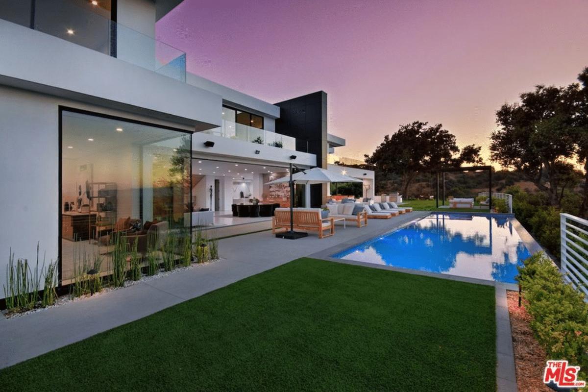 David Dobrik House(4)