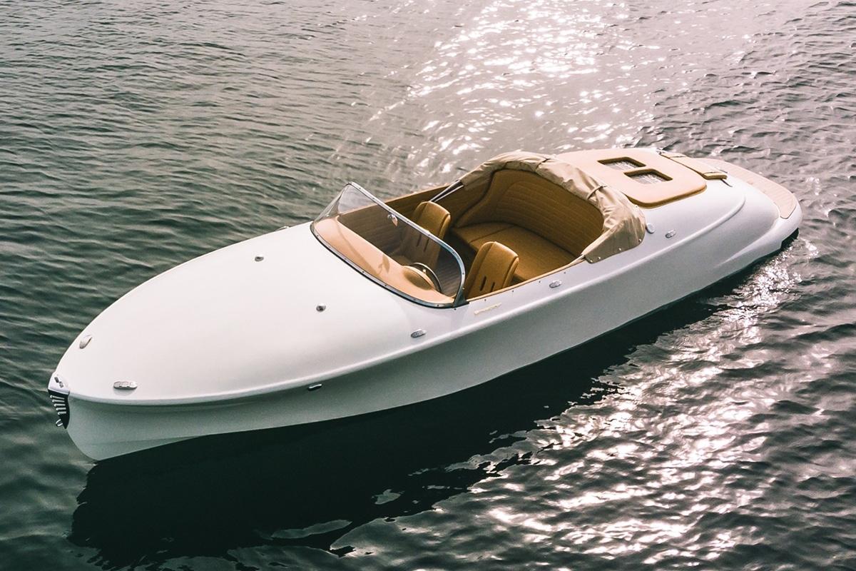 Hermes Speedster E Dayboat front side