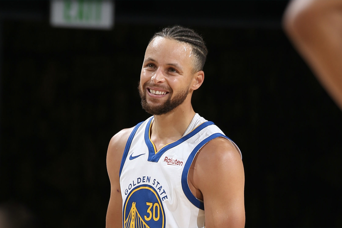 Highest Paid NBA Players 2021 - Steph Curry 1