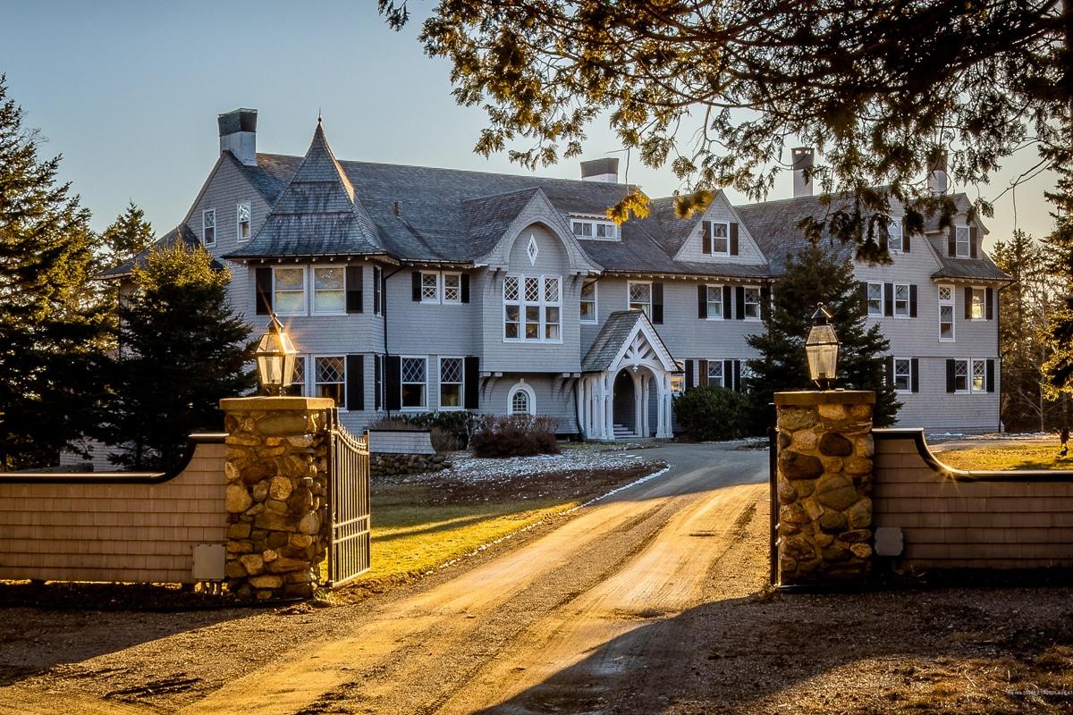 John Travolta Maine House 1