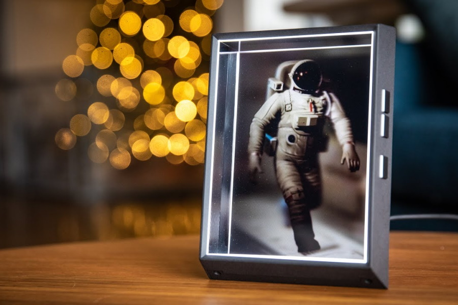 Looking Glass Portrait with a hologram of an astronaut